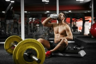 bodybuilding and water intake in the gym