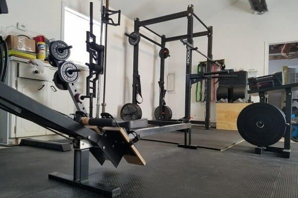 garage gym with power rack