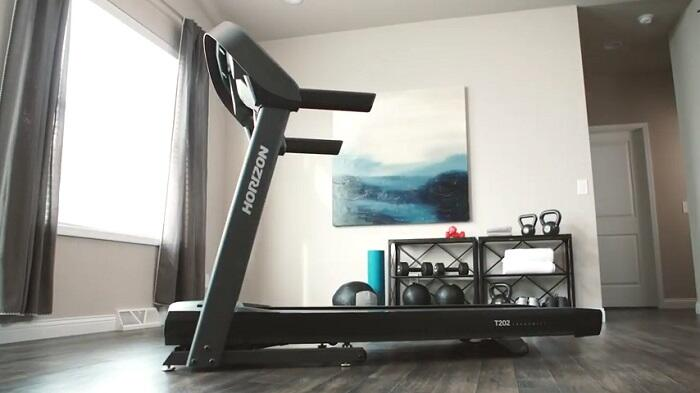 Horizon t202 treadmill in front room of house
