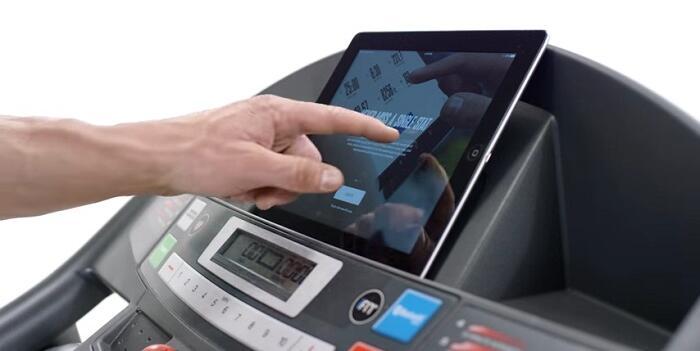monitor demonstration of weslo treadmill