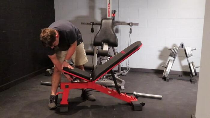 DERACY Adjustable Weight Bench Review – Includes Comparison With Super Max 2000